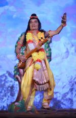 Asrani -Narad Munni Playing the Ram leela at Luv Kush ram Leela committee at Lal Qila maidan in Delhi on 13th Oct 2015 (2)_561e04d6361ae.jpg