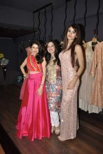 Bhagyashree at Amy Billimoria festive collection launch in Juhu on 14th Oct 2015 (44)_561f9c009ee5f.JPG