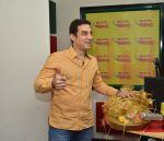 Faisal Khan promote the film Chinar Daastan -E-Ishq in Radio Mirchi Studio on 14th Oct 2015 (4)_561f451adb21a.JPG