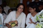 Hema Malini at Ravindra Jain prayer meet in Isckon on 14th Oct 2015 (50)_561fa068a828a.JPG
