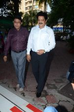 Udit Narayan at Ravindra Jain prayer meet in Isckon on 14th Oct 2015 (31)_561fa0c213a6b.JPG