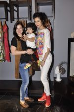 Urvashi Sharma, Sucheta Sharma at Amy Billimoria festive collection launch in Juhu on 14th Oct 2015 (36)_561f9cfeb8250.JPG