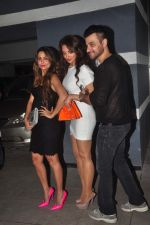 Amrita Arora at Sanjay Kapoor_s bday on 16th Oct 2015 (42)_56236c6005552.JPG