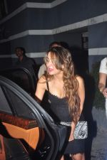 Amrita Arora at Sanjay Kapoor_s bday on 16th Oct 2015 (43)_56236c634f43b.JPG