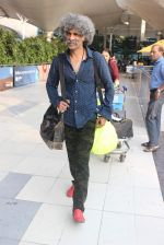 Makarand Deshpande snapped at airport on 17th Oct 2015 (2)_5623bdb7d803d.JPG