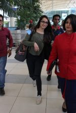 Shraddha Kapoor snapped at airport on 17th Oct 2015