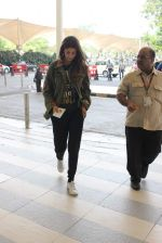 Shweta Bachchan snapped at airport on 17th Oct 2015 (13)_5623be0f17fe0.JPG