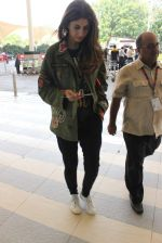 Shweta Bachchan snapped at airport on 17th Oct 2015 (9)_5623bde7020fb.JPG