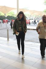 Shweta Bachchan snapped at airport on 17th Oct 2015 (12)_5623be00dd7cc.JPG