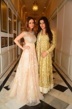 Suzanne Khan at abu jani charity show on 16th Oct 2015 (250)_562365804e2d5.JPG