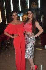 Zarine Khan, Daisy Shah at Trailer launch of film Hate Story 3 on 16th Oct 2015 (25)_5623706d791b9.JPG