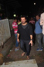at Sanjay Kapoor_s bday on 16th Oct 2015 (20)_56236cdc1a264.JPG