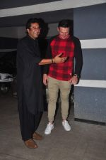 wasim akram at Sanjay Kapoor_s bday on 16th Oct 2015 (53)_56236cf5c668b.JPG