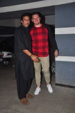 wasim akram at Sanjay Kapoor_s bday on 16th Oct 2015 (55)_56236d04b3c3e.JPG