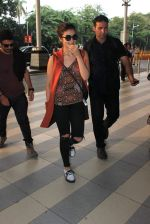 Alia Bhatt snapped at airport on 18th Oct 2015