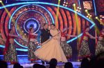 Salman Khan and Sonam Kapoor on the sets of Bigg Boss Nau on 18th Oct 2015