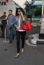 Shilpa Shetty snapped at airport on 18th Oct 2015