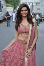 Karishma Tanna at Life OK Prem Ki Diwali Shoot in Mumbai on 19th Oct 2015 (99)_56261b930bdac.JPG