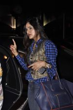 Madhoo Shah snapped at airport on 19th Oct 2015