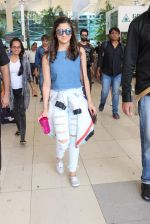 Alia Bhatt snapped at airport on 20th Oct 2015