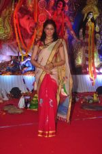 Kavita Kaushik at Durga Pooja Pandal on 20th Oct 2015