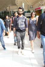 Shahid Kapoor snapped at airport on 20th Oct 2015