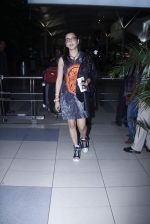 Shruti Haasan snapped at airport on 20th Oct 2015 (6)_56274596479ca.JPG