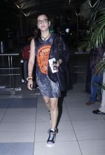 Shruti Haasan snapped at airport on 20th Oct 2015 (7)_562745b2ca568.JPG