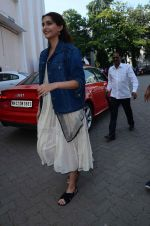 Sonam Kapoor snapped at Mehboob on 20th Oct 2015