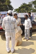 Vidya Balan at durga pnadal on 20th Oct 2015