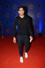 Ayan Mukerji at Beauty and the Beast red carpet in Mumbai on 21st Oct 2015 (220)_5628c656a0f84.JPG