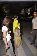 Kajol snapped at Airport on 21st Oct 2015