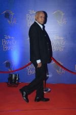 Manmohan Shetty at Beauty and the Beast red carpet in Mumbai on 21st Oct 2015 (75)_5628c879e5549.JPG