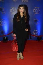 Raveena Tandon at Beauty and the Beast red carpet in Mumbai on 21st Oct 2015 (236)_5628c957c06e3.JPG