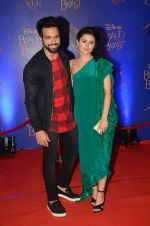 Rithvik Dhanjani, Riddhi Dogra at Beauty and the Beast red carpet in Mumbai on 21st Oct 2015 (356)_5628cbd7c8f5d.JPG
