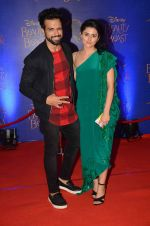 Rithvik Dhanjani, Riddhi Dogra at Beauty and the Beast red carpet in Mumbai on 21st Oct 2015 (358)_5628cbdc7492a.JPG