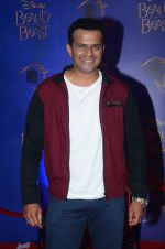 Siddharth Kannan at Beauty and the Beast red carpet in Mumbai on 21st Oct 2015 (138)_5628cd57d471a.JPG