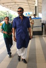 Ajay Devgan snapped at airport on 24th Oct 2015