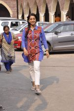 Juhi Chawla on location of Chalk and Duster film on 23rd Oct 2015 (42)_562ccb919b226.JPG