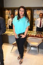 Poonam Dhillon at Mahesh Notandas store for festive collection launch on 23rd Oct 2015