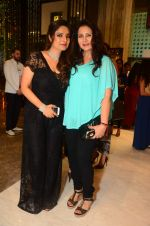 Poonam Dhillon at Mahesh Notandas store for festive collection launch on 23rd Oct 2015 (9)_562cc9f191024.JPG