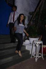 Preity Zinta snapped with cricketer David Miller at Olive, Bandra on 23rd Oct 2015 (4)_562cca7e83514.JPG