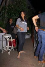 Preity Zinta snapped with cricketer David Miller at Olive, Bandra on 23rd Oct 2015 (6)_562cca9241dc4.JPG