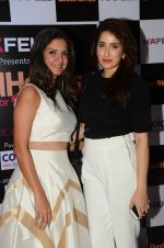 Sagarika Ghatge at Jaideep Mehrotra exhibition on 23rd Oct 2015 (36)_562cc6e65a95a.JPG