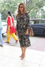 Esha Gupta snapped at airport on 25th Oct 2015