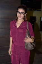 Raveena Tandon snapped at PVR on 25th Oct 2015 (7)_562dc11519ab1.JPG