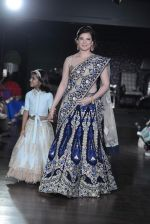Urvashi Sharma walks for Amy Billimoria charity show in Juhu, Mumbai on 26th Oct 2015