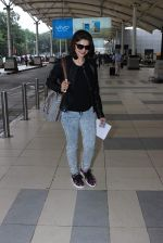 Prachi Desai snapped at airport in Mumbai on 27th Oct 2015