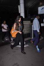 Suhana and ABRam snapped at the airport on 27th Oct 2015 (12)_5630920f6b11a.JPG