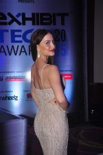 Elli Avram at Exhibit Awards in Mumbai on 28th Oct 2015